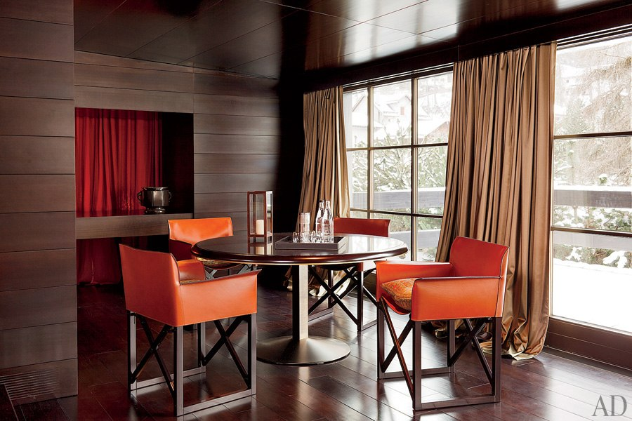 liveathome-celebrity-dining-rooms-12-giorgio-armani
